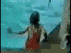 Оступался и упал в бассейн