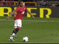 Глупо промазал по мячу