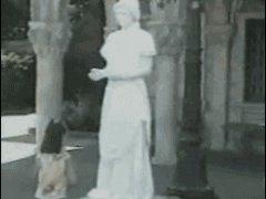 Ожившая греческая статуя
