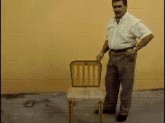 Собрал стульчик и ушел