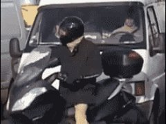 Прикол над байкером