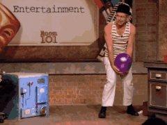Мим с воздушным шариком