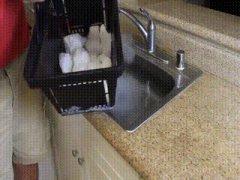 Сухой лед в раковине